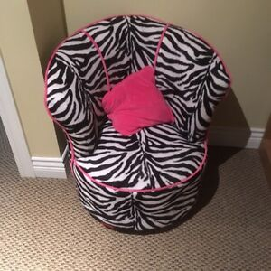 Chair for kids room clean condition