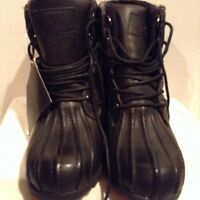 New London fog black boots size 8