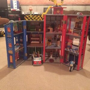 KidsKraft Everyday Heroes Play set/ Fire station