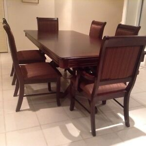 Dining table and 6 chairs (4 side chairs and 2 armchairs)