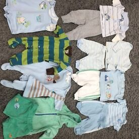 Baby boys clothes to fit up to 1 month
