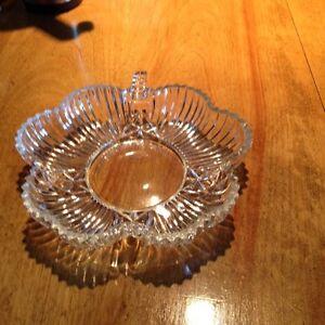 Petite soucoupe en cristal forme de fleur