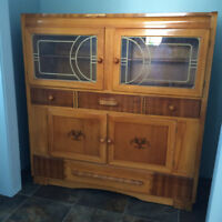 ***ANTIQUE CABINET *********************************************
