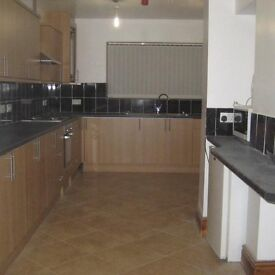 BIG REFURBISHED HOUSE SHARE IN WALKING DISTANCE WREXHAM TOWN
