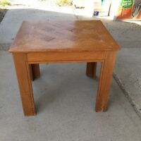 Wooden end table, good condition