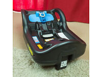 SnugFix ISOFIX Base + Graco SnugFix car seat