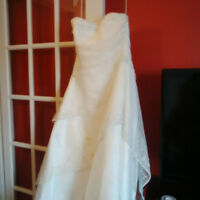 Maggie Sottero Couture Wedding Dress.150$