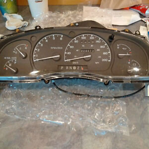 Guage cluster for 2000 Ford Explorer Kitchener / Waterloo Kitchener Area image 1