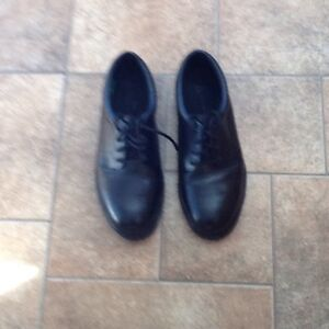 Steel toe dress shoes