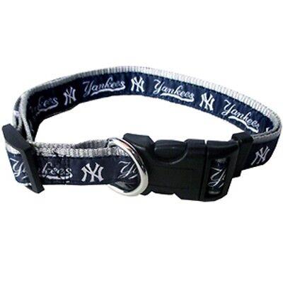"MLB New York Yankees Adjustable Dog Collar Size Medium 5/8"" W by 12-18"" L New"