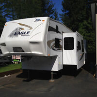 Jayco Eagle 31.5 ft. Fifth Wheel