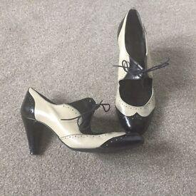 Ladies black / white Jones the Bootmaker shoes
