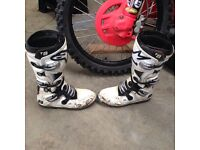 Motocross boots and kits