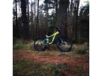 2016 Giant Reign 2 Enduro Mountain Bike