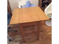 Extendable dining table oak veneer