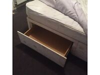 Kingsize bed with or without mattress