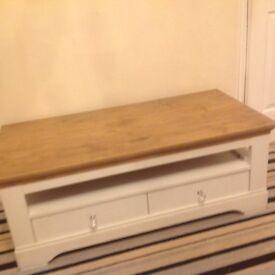 Coffee table white wood grain oak effect