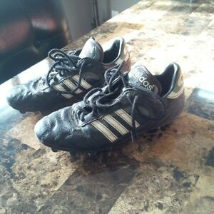 Womens Size 5 Adidas Soccer Cleats
