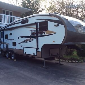 Fifth wheel 2012 27,5'