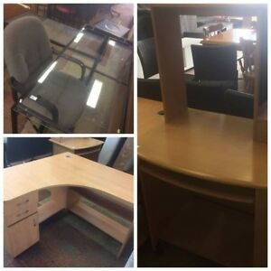 4 GREAT SPACE-SAVING DESKS AVAILABLE AT AUSSIE SAVING FURNITURE!! Bentley Canning Area Preview