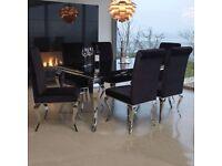 Stunning dinning table - JOHN LEWIS ex display (retail price £800)