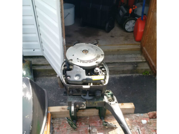 Used 1982 Johnson 15 HP long shaft & Evinrude Fastwin 18 1957