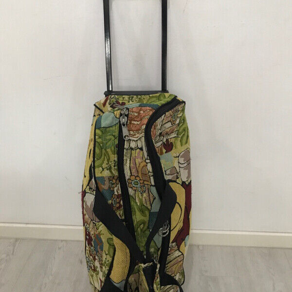 Used Winnie the Pooh luggage sell $6only