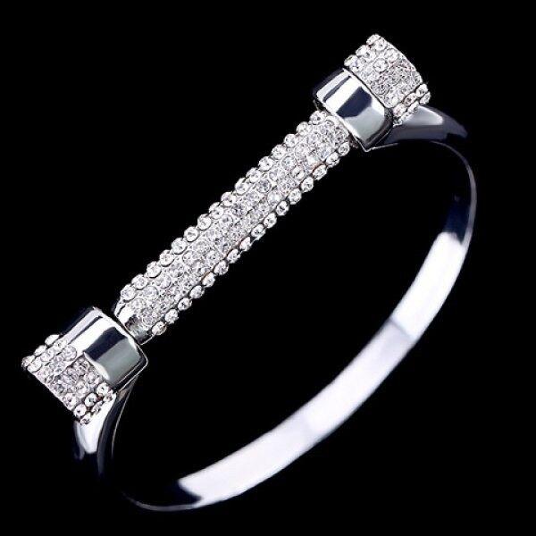 Characteristic Rhinestone Screw Bracelet For Women