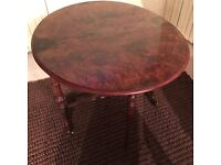Antique Sutherland table in very good condition