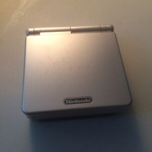 Nintendo-Game Boy Advance SP