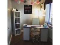 Qualified Nail Technician (CND certified)
