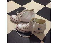 Converse white size 6