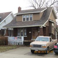 5 Bedroom 2 Bathroom Student Home by University With Dishwasher