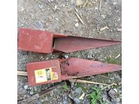 "Two 100mm 4"""" x 400mm met posts used but very good condition £5 each"