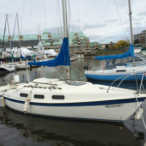 Tanzer 22' Sailboat at Bronte Inner harbour in Oakville
