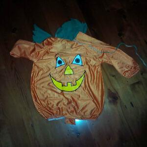 9x Kids / Childrens Halloween Costumes, size S/M/L Kitchener / Waterloo Kitchener Area image 5