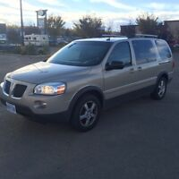 2007 Pontiac Montana Van fully loaded with dvd