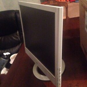 Hp monitor with speakers