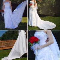 Beautiful Size Small Wedding Gown