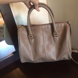 Grey purse in great condition
