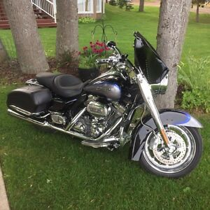 2008 Harley Roadking FLHR SE3 Screaming Eagle CVO 110 cu in