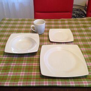 Ens. De vaisselle STOKES Saguenay Saguenay-Lac-Saint-Jean image 1