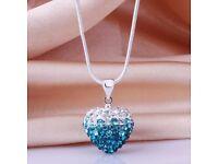 Stylish Glitter Rhinestone Heart Shape Gradient Pendent Necklace