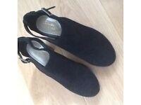 Ladies Size 7 Clarks shoes