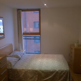 @Jubilee Line! Spacious double room in Canary Wharf!