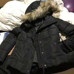 American Eagle NEW Winter coat with fur hood