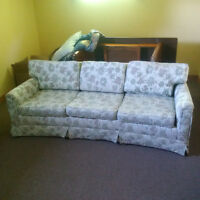 Orangeville area - free couches and chairs