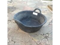 Horse rubber feed bucket large