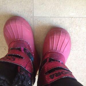 Dora Toddler Girl's boots Cambridge Kitchener Area image 3
