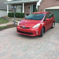 2013 Toyota Prius v Familiale